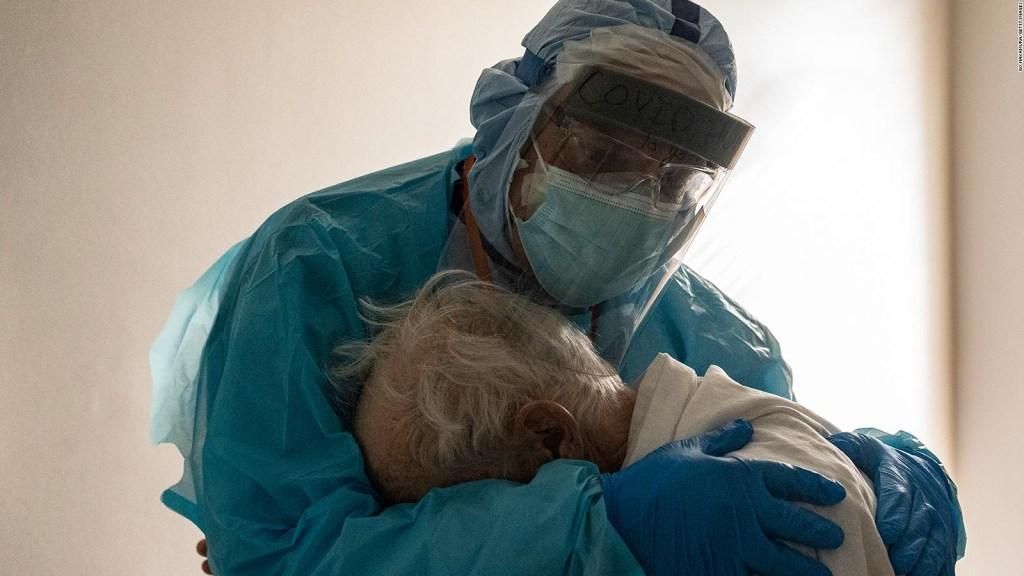Cada 33 segundos muere una persona por covid-19 en EE.UU.
