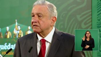 El INE y López Obrador se enfrentan por la mañanera
