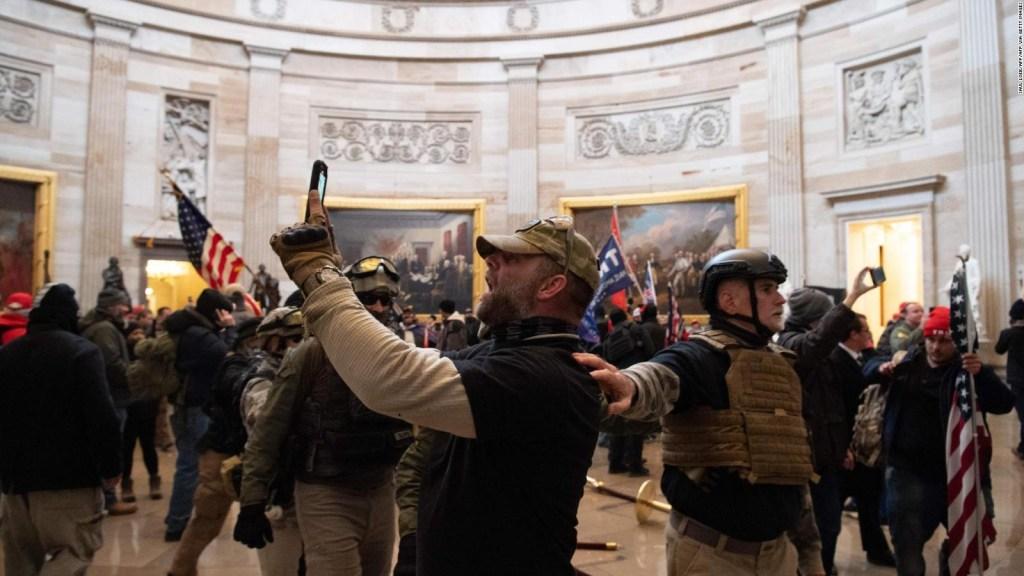 Agitadores ingresaron a la fuerza al Capitolio de EE.UU.