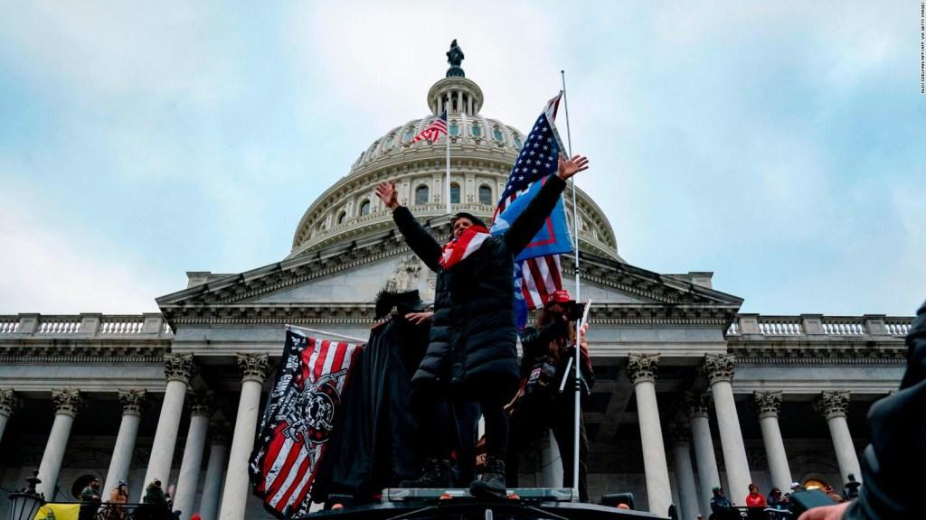 EE.UU.: el Capitolio bajo asedio y la democracia atacada