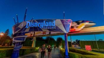 Disneyland será un centro de vacunación contra covid-19