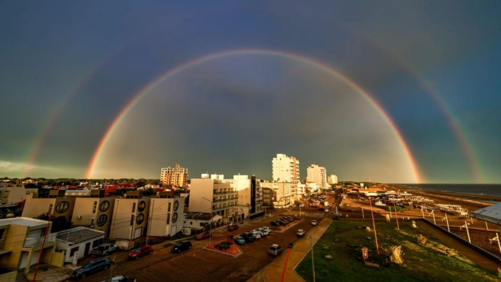 Fotógrafo aficionado logra capturar un arcoíris perfecto