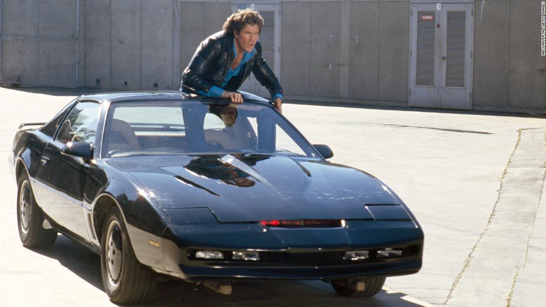David Hasselhoff subastará su K.I.T.T. personal, el vehículo de la icónica serie 'Knight Rider'