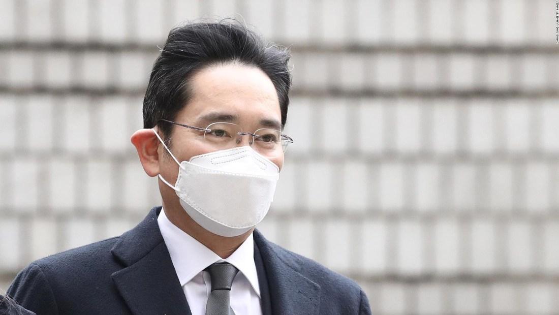 Heredero de Samsung es condenado a prisión por soborno