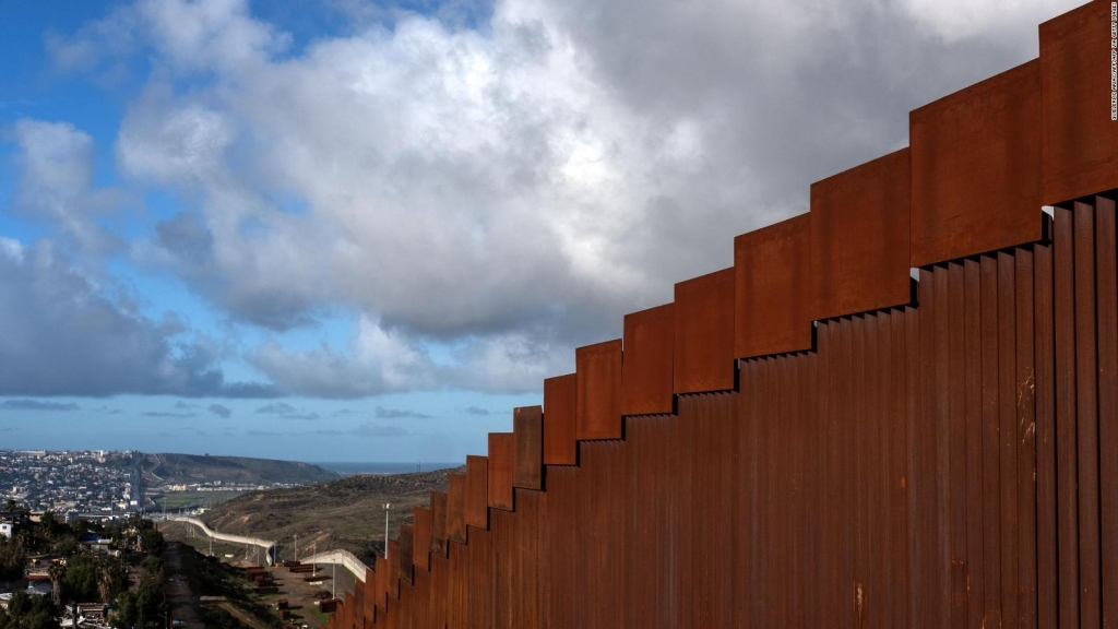 El muro de Trump no desalentó el deseo de ingresar a EE.UU