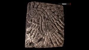 Águila real tallada en piedra revelaría secretos del Templo Mayor de México, según arqueólogos