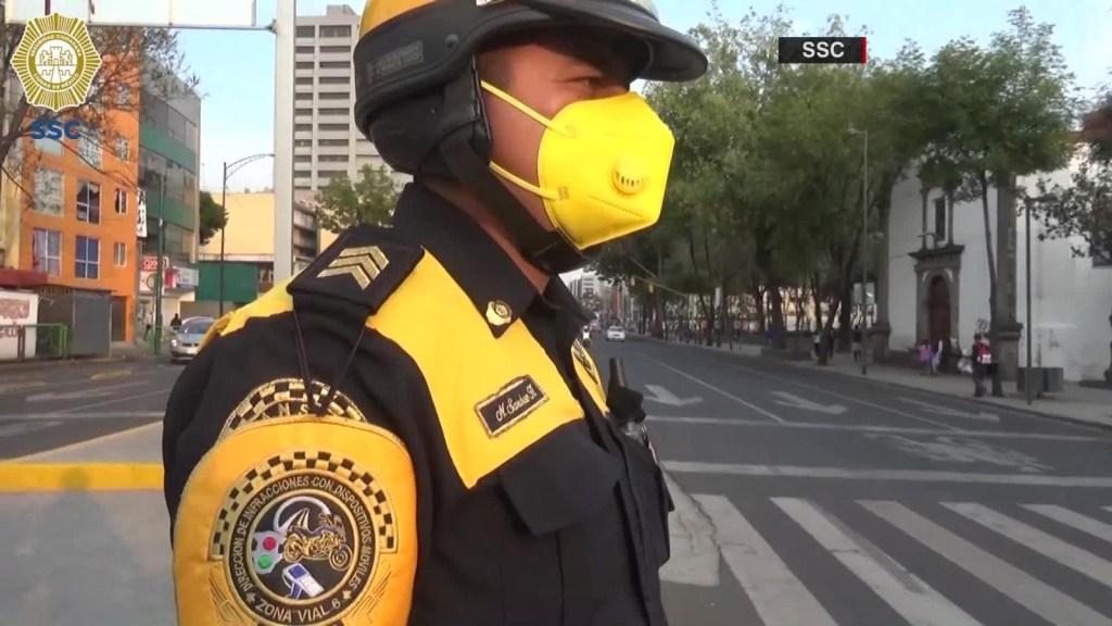 Policía regresa dinero para comprar un tanque de oxígeno