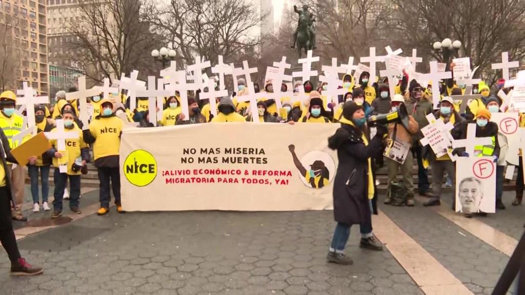 Inmigrantes enfrentan varias crisis en EE.UU. por covid-19