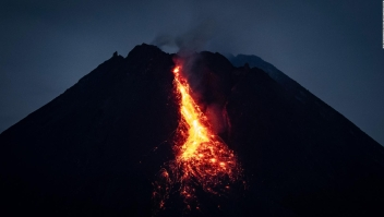 Volcán Merapi en Indonesia hizo erupción