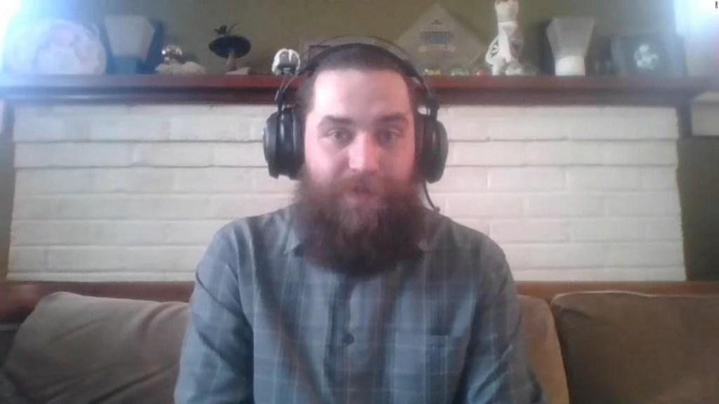 Hombre se hizo millonario comprando acciones de GameStop