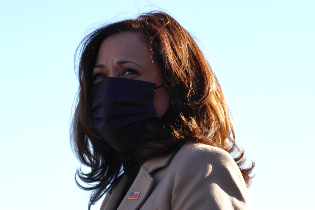 SAVANNAH, GEORGIA - JANUARY 03: Vice President-elect Kamala Harris arrives at Savannah/Hilton Head International Airport on January 03, 2021 in Savannah, Georgia. Vice President-elect Kamala Harris joined Georgia Democratic Senate candidates Rev. Raphael Warnock and Jon Ossoff for a campaign event two days before the January 5th runoff election that will determine which party controls the U.S. Senate. According to the Atlanta Journal-Constitution, 3 million people have already cast their votes ahead of Tuesday's election. (Photo by Michael M. Santiago/Getty Images)