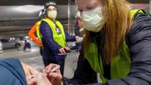 La administración de Trump deja a Biden con números 'confusos' de la vacuna de covid-19 y estados en el limbo
