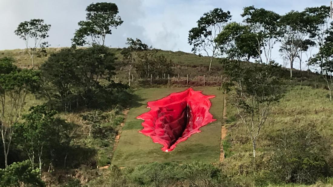 escultura-vulva-brasil
