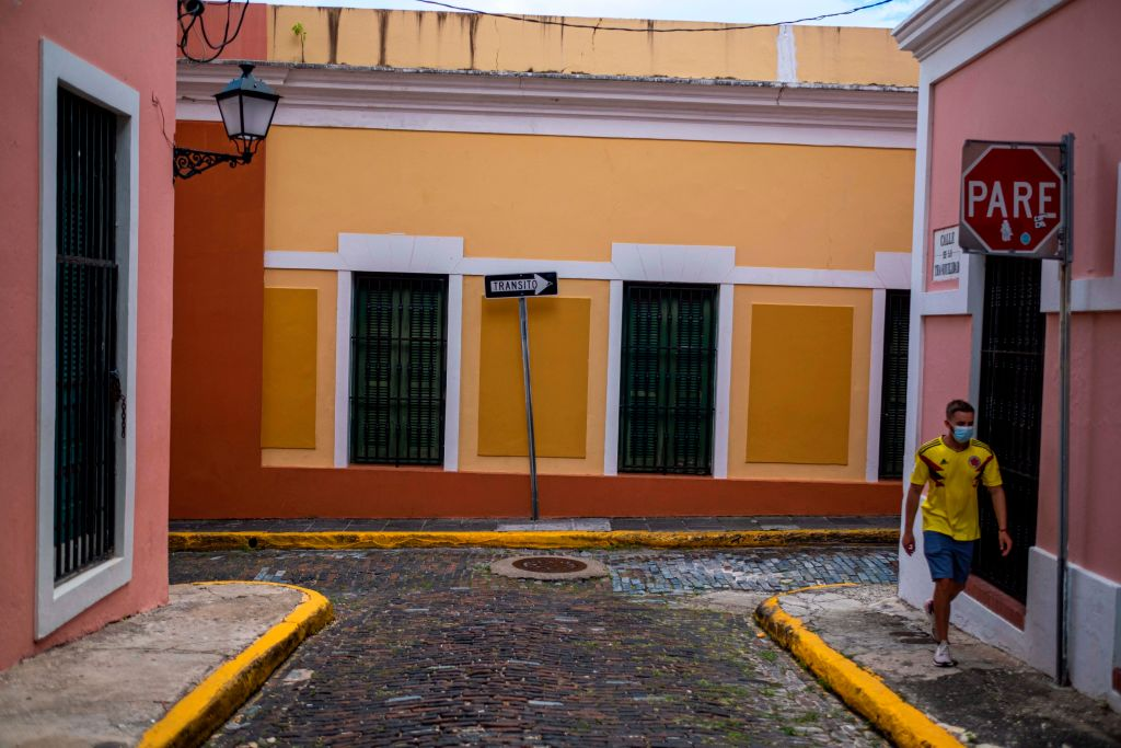 Puerto Rico toque de queda