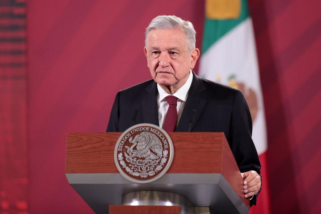 Andrés Manuel López Obrador informa que tiene covid-19