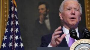 Biden anuncia la compra de 200 millones de dosis de vacunas