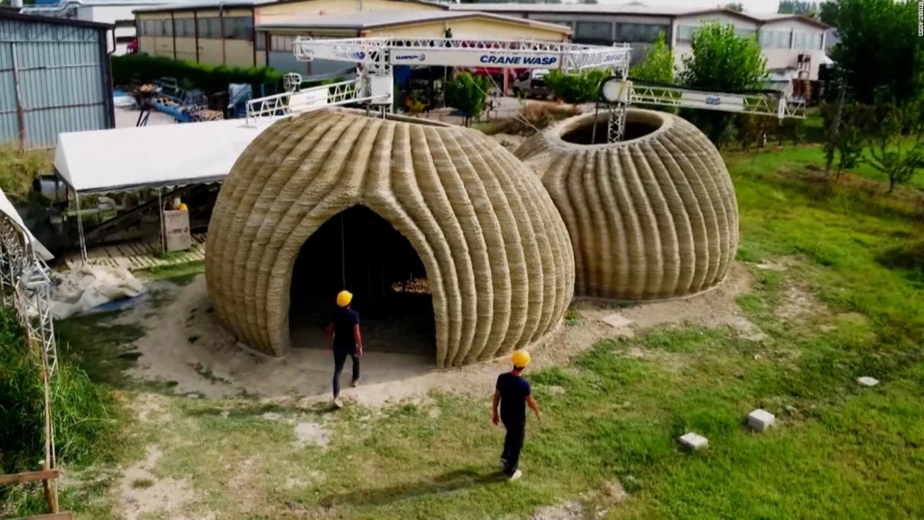 They make house with 3D printing using local soil