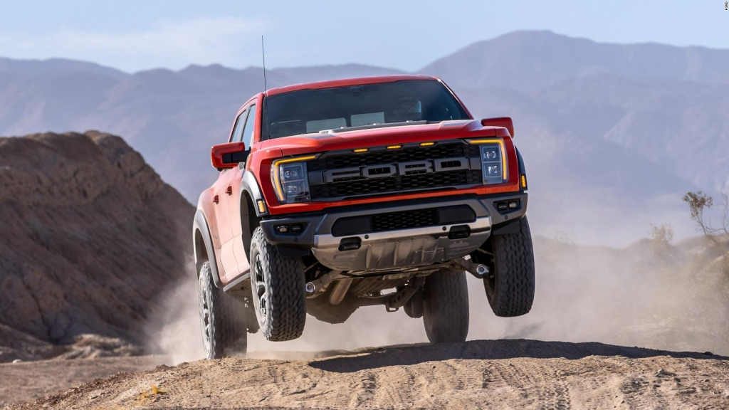 Watch Ford's new Raptor F-150 in action