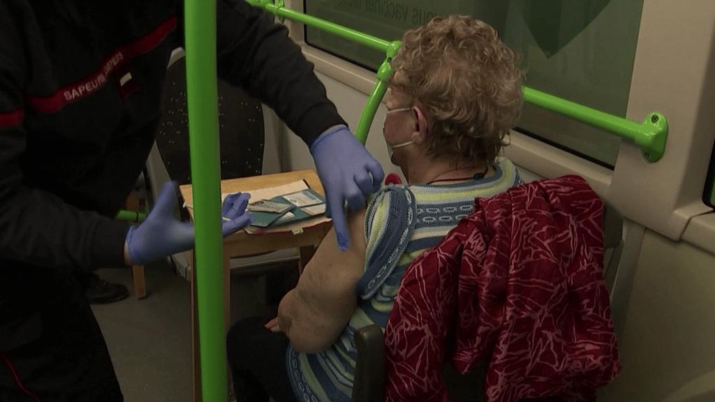 Los lugares más raros donde aplican vacunas