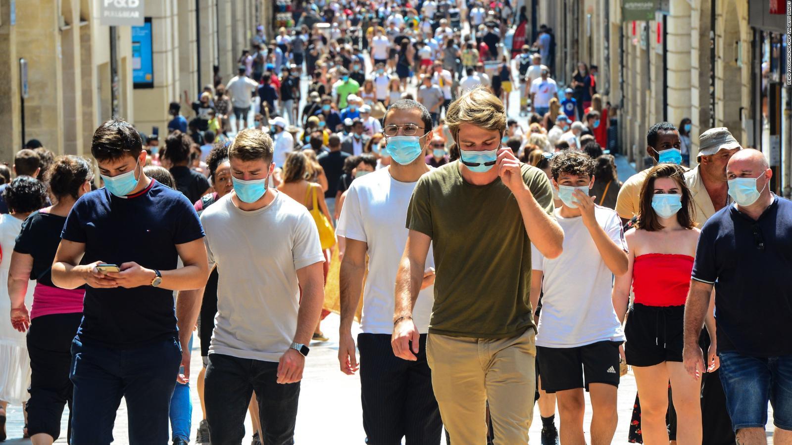 Cómo mantenerse a salvo de las variantes más contagiosas del coronavirus: la doctora Wen lo explica