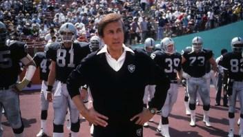 NFL: el primer entrenador latino en el Salón de la Fama