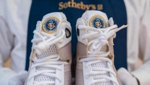 Ponen a la venta tenis Nike diseñados para Barack Obama