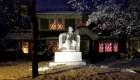 Tallan en hielo una réplica del Monumento a Lincoln