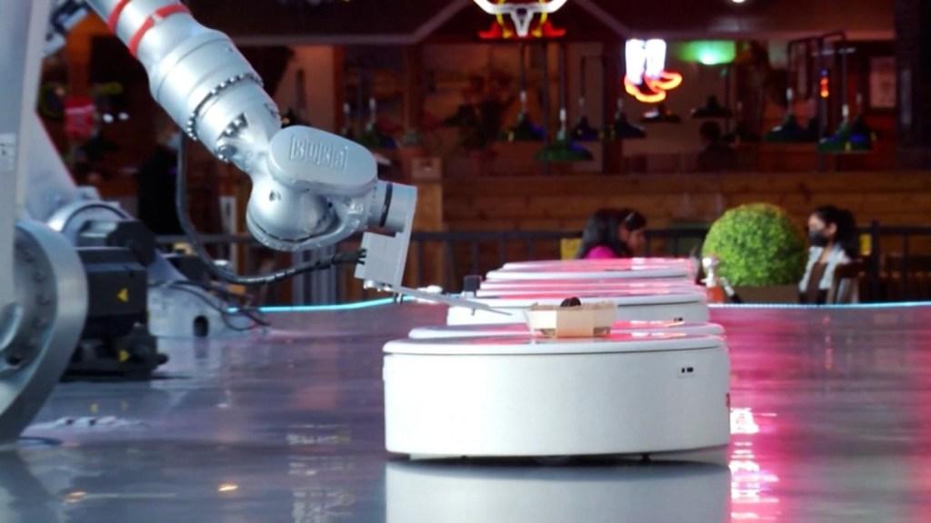 Así es la cafetería de Dubai atendida solo por robots