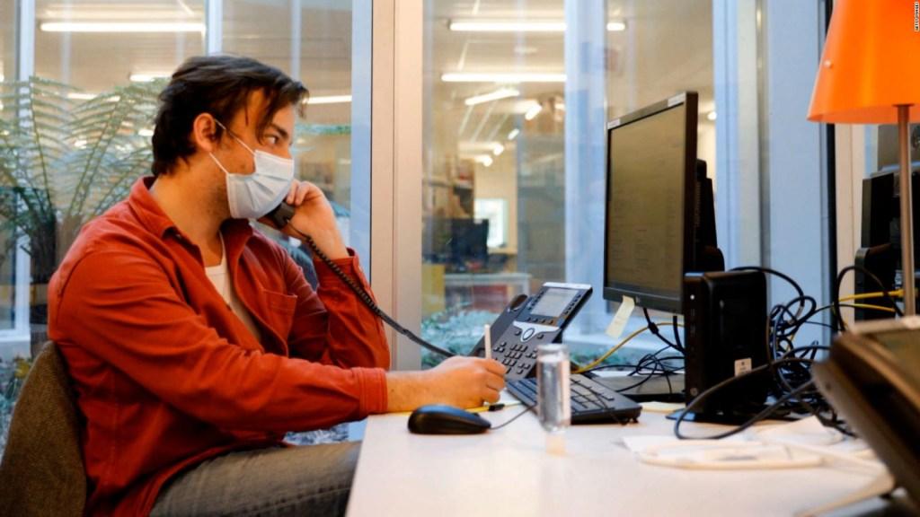 Francia levanta prohibición laboral de comer en oficinas