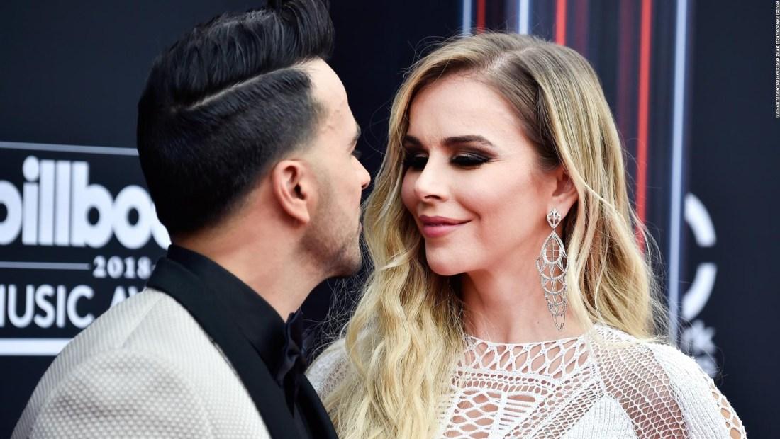 Fonsi le canta al amor y a su esposa Águeda López