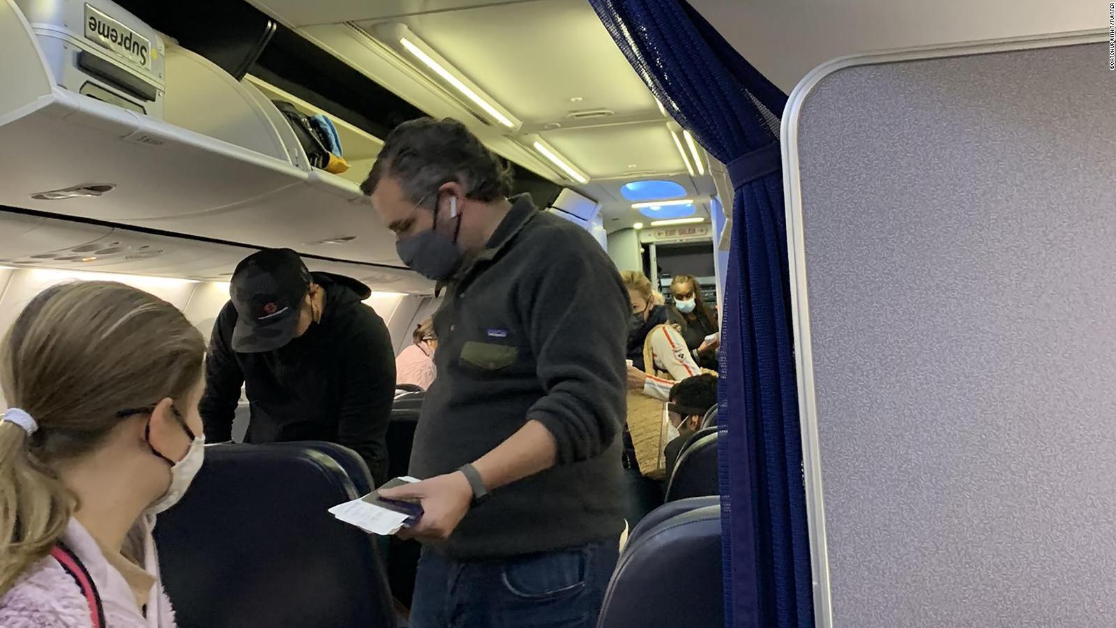 Resultado de imagen de ted cruz cancun airplane