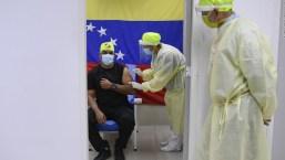 Los primeros en recibir la vacuna en Venezuela