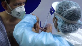 Vacunas del programa Covax a Venezuela, en la cuerda floja