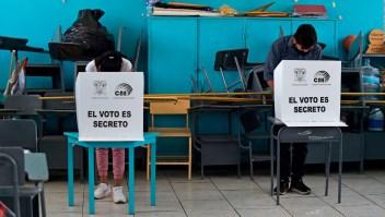 Investigan denuncia de fraude en los comicios de Ecuador