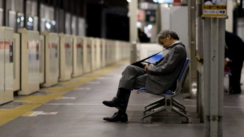 Japón designa a ministro para la Soledad