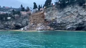 Colapsa cementerio en Italia; 200 ataúdes caen al mar