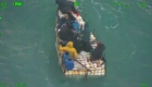 Rescatan a 5 hombres en una balsa en el mar de la Florida