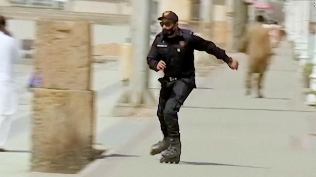 Una brigada de policías en patines para atrapar delincuentes