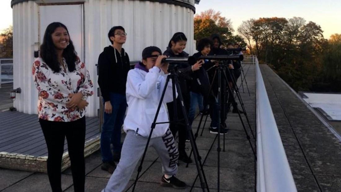 Dos alumnos de secundaria descubren exoplanetas