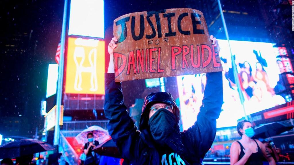 Muerte de Daniel Prude: juez exonera a policías involucrados