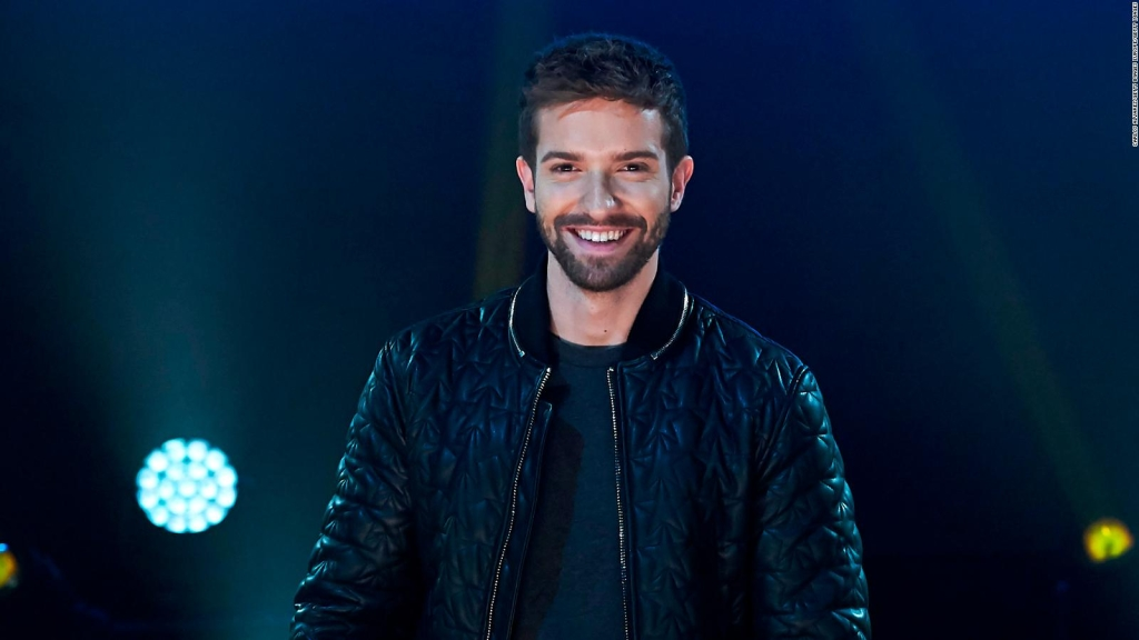 Pablo Alboran tells how he writes about love