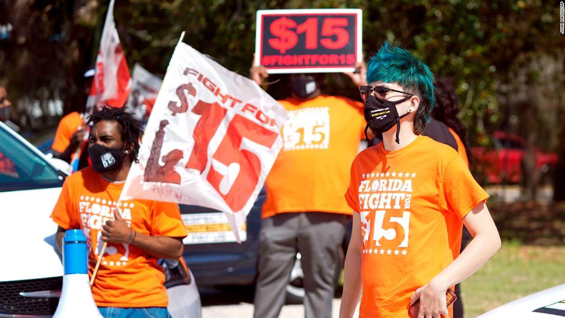 Salario mínimo de US$ 15: todo lo que necesitas saber sobre el debate