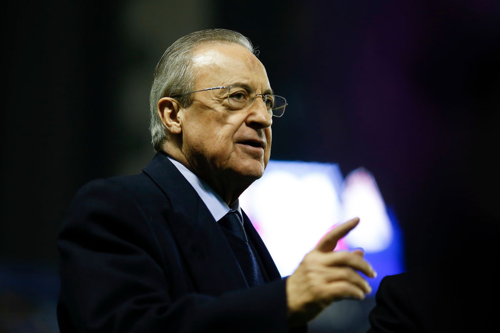 Florentino Pérez covid-19 VALENCIA, SPAIN - FEBRUARY 22: Florenitno Perez, president of Real Madrid prior the Liga match between Levante UD and Real Madrid CF at Ciutat de Valencia on February 22, 2020 in Valencia, Spain. (Photo by Eric Alonso/Getty Images)