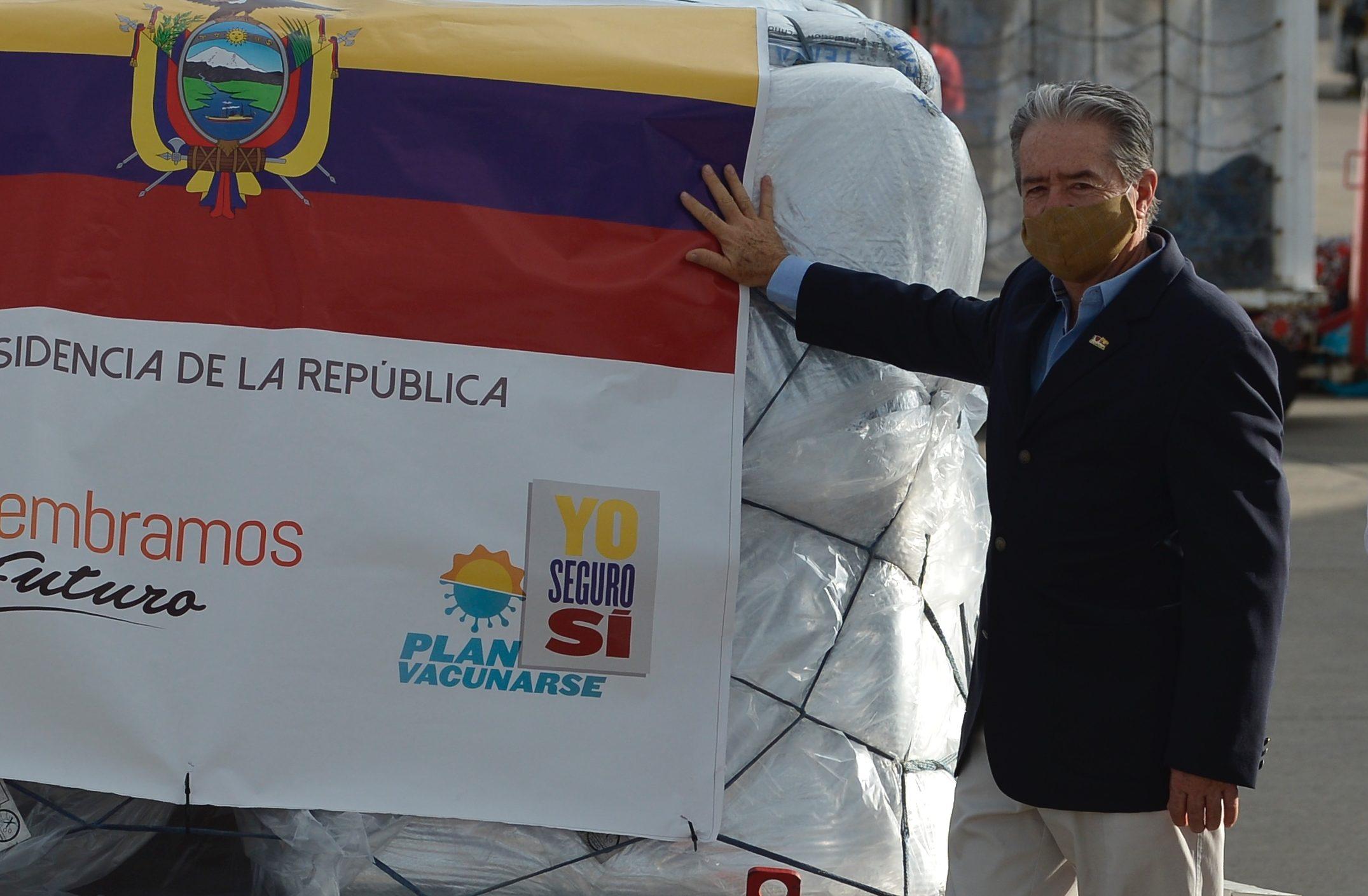 Renuncia el ministro de Salud de Ecuador, en medio de denuncias de irregularidades en la vacunación de covid-19