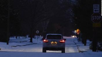 ¿Cómo conducir de forma segura sobre hielo y nieve?