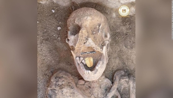 momias-egipcias-lengua-de-oro-uno