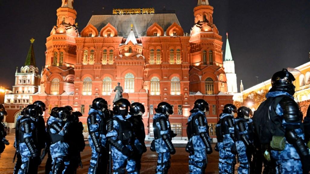 Seguidores de Navalny protestan contra su sentencia