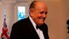 Giuliani se queja de una estación de radio por deslindarse de sus comentarios