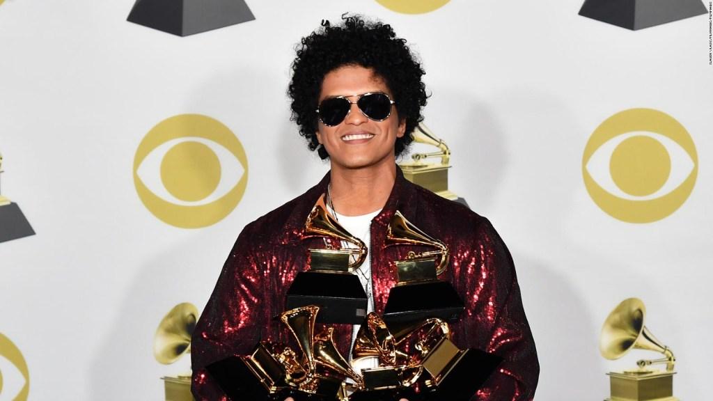 Grammy 2021: Bruno Mars pide que le permitan cantar
