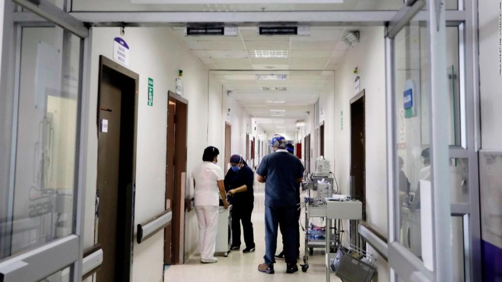 Ecuador: hospital con pacientes covid-19 en el piso